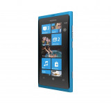 Nokia Lumia 800: Unboxing (video)