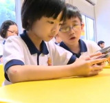 WE Learn project : Nokia's Lumia 710 Used in Mobile 21st Century Classroom Trial in Singapore