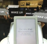"Was Nokia Behind This Apple Store Protest?? ""WAKE UP""? (video)"