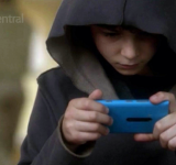 "Nokia's Lumia 900 Gets Air Time on the Finale of ""Touch"""