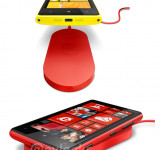 Nokia Offers Yahoo Employees Free Charging Plate for Lumia 920