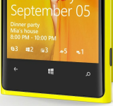 Nokia Lumia 920 Press Images Reveal WP8 Lock-Screen Notifications