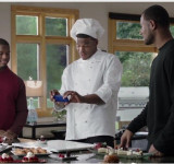 Cam Newton: Meet Cam – See SkyDrive on his Windows Phone (video)
