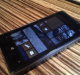 Crafty Fan Creates Wooden Shell for His Lumia 920 (pics)
