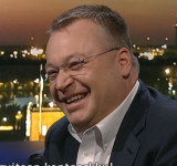 Nokia's Stephen Elop Tosses iPhone Aside on Stage (video)