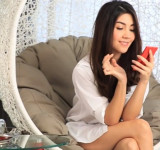 Nokia Thailand Gets Hot Girl to Show Off Lumia 920 in New Video Promo
