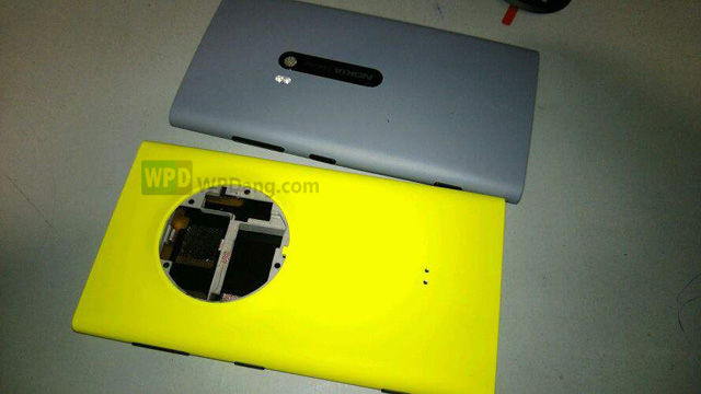 Leaked: Nokia's EOS? Images Showing Huge Camera Bump | WP7 Connect