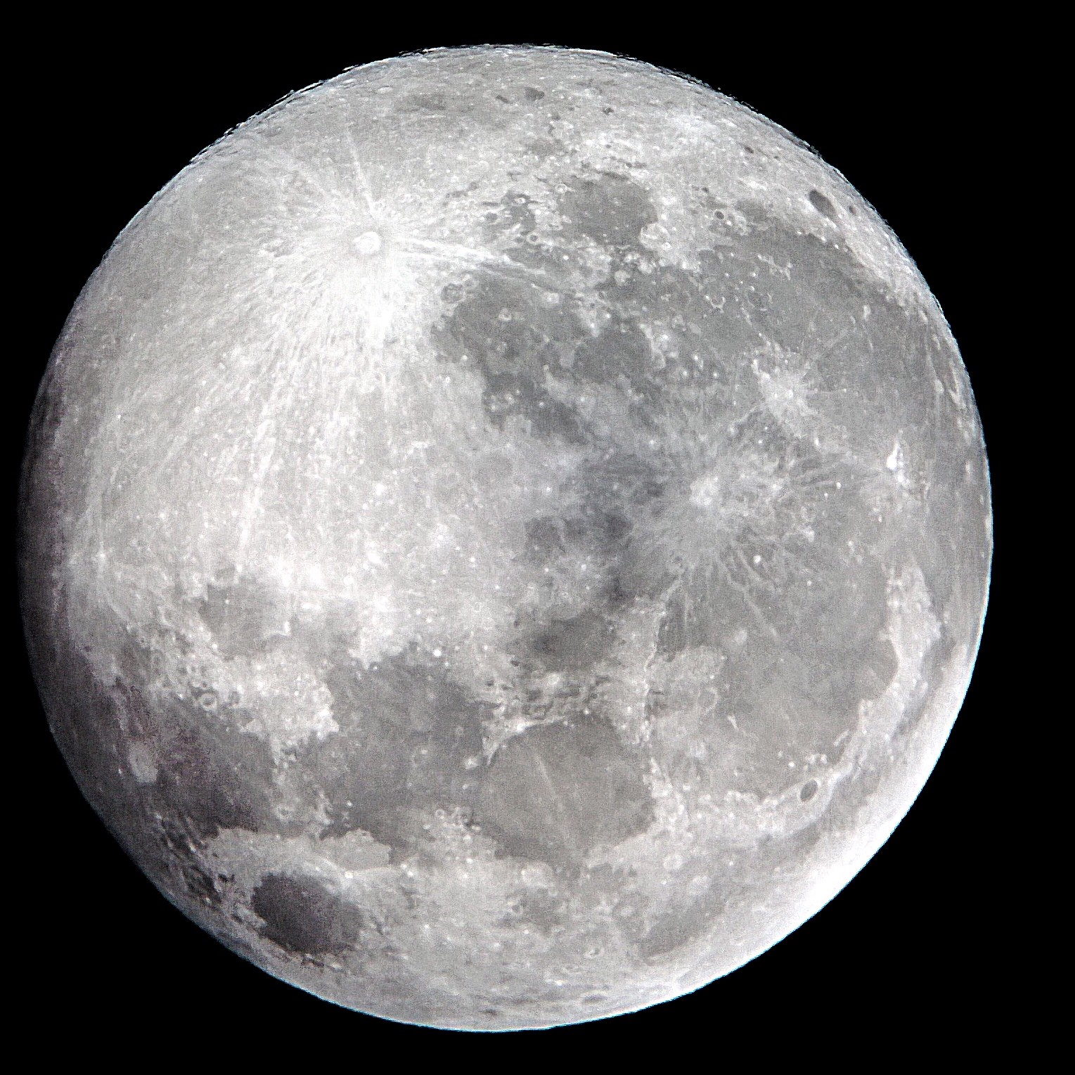 Supermoon close up picture taken with nokia lumia 920 - Moon close up ...